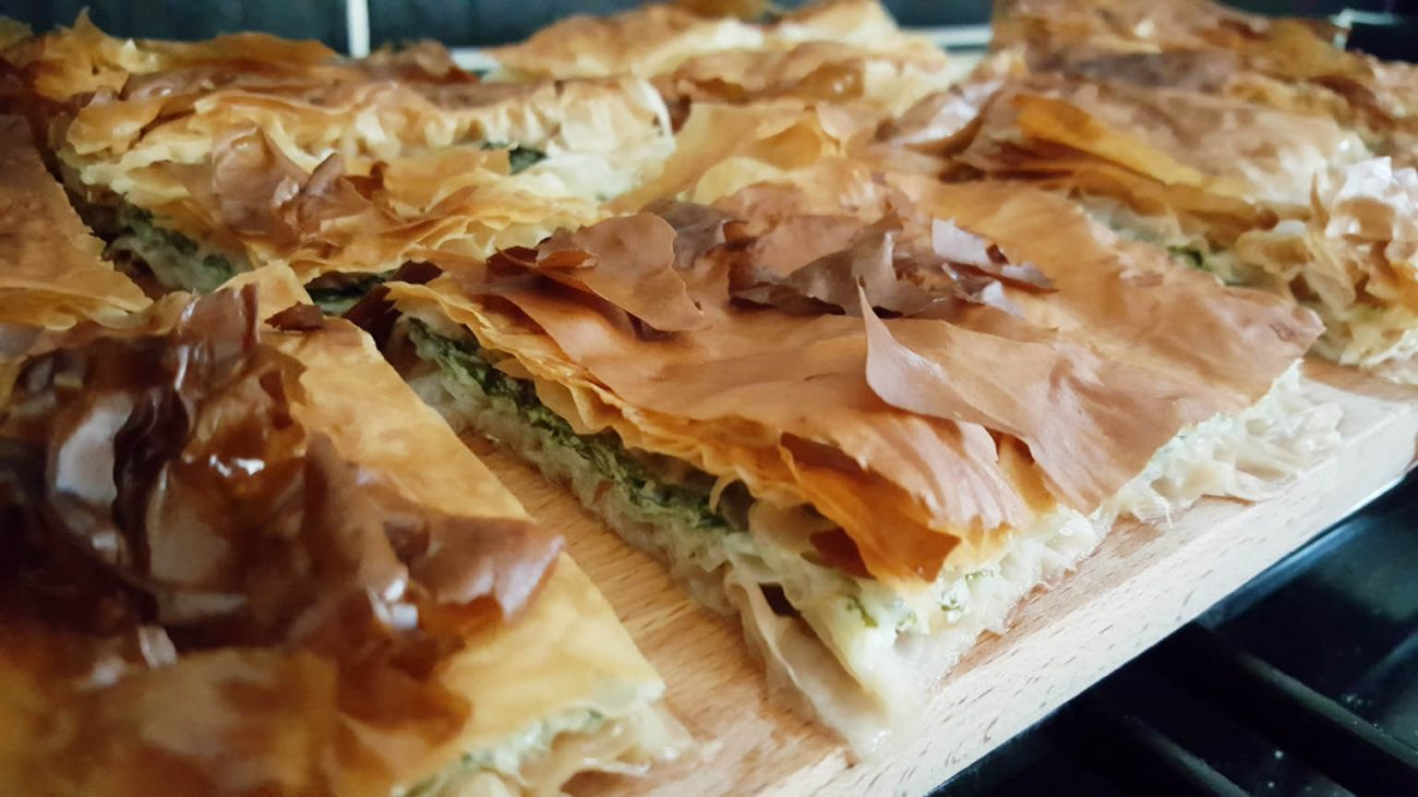 Spinach pie albanian pite me spinaq my albanian food for Albanian cuisine